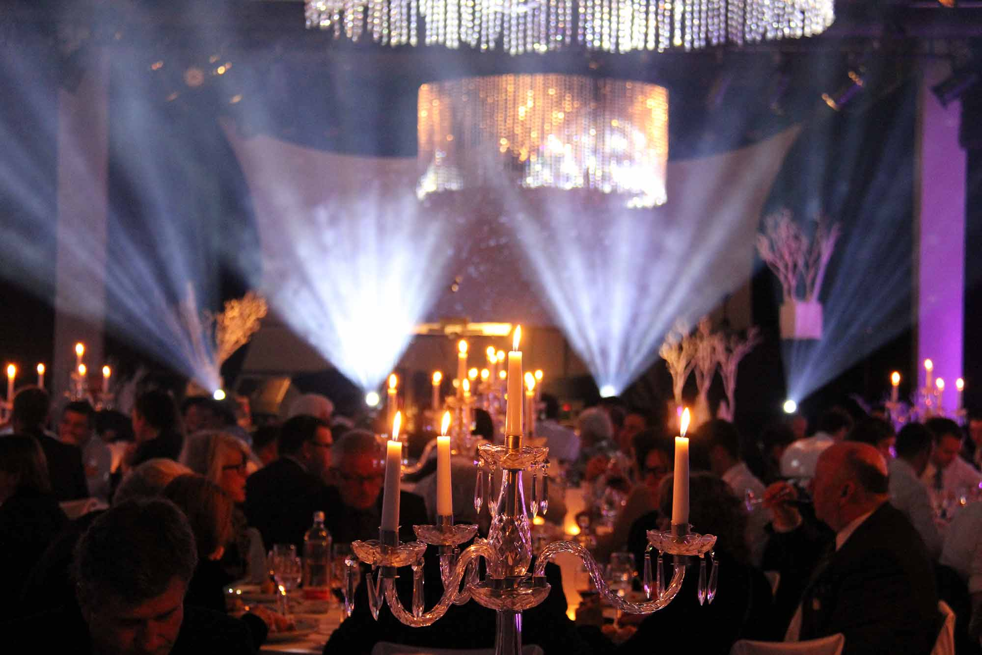 header-gala-1-meee-event-generalunternehmer-generalunternehmung-agentur-catering-events-firmenevent-corporate-eventlocation-zuerich-schweiz