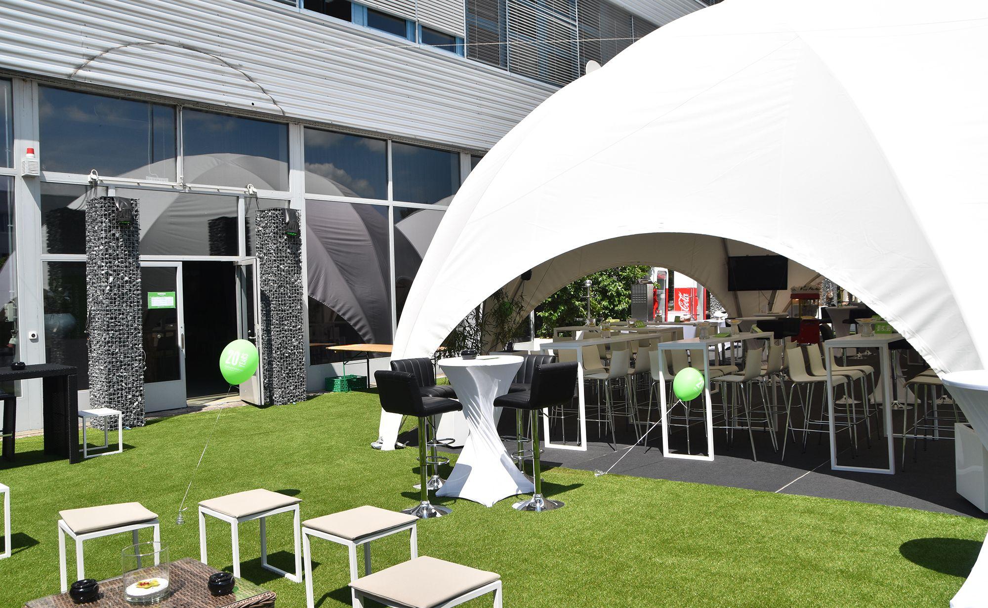 bild_background_outdoor_garten_eventgarten_outdoorbereich_10_starlite_eventhall_eventlocation_eventlokal_event_hall_location_lokal_venue_rapperswil_jona_zuerichsee